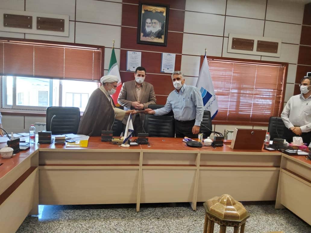 کسب رتبه شایسته تقدیر ویژه وزارت نیرو توسط شورای فرهنگی و دینی شرکت آب منطقه ای فارس